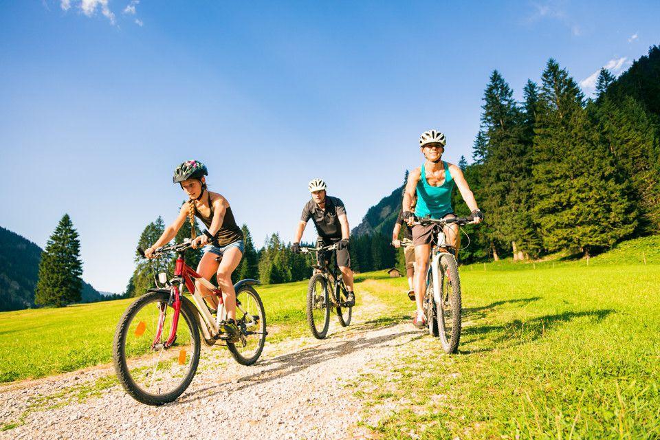 Pieniny, goście Hotelu Smile na rowerach w górach